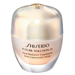 future-solution-lx-total-radiance-foundation-I40-natural-fair-ivory-shiseido-base-facial
