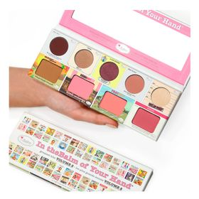 paleta-de-sombras-the-balm-of-your-hand