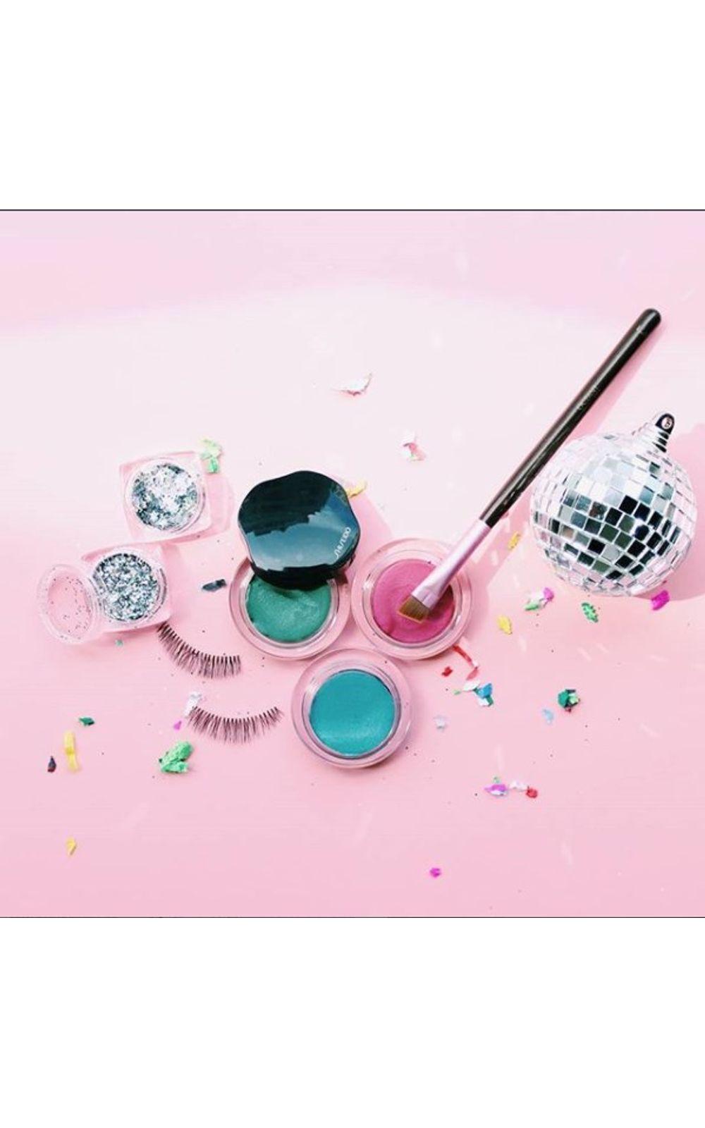 Foto 5 - Shimmering Cream Eye Color Shiseido - Sombra - VI226