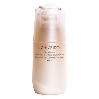 emulsao-antirrugas-shiseido-benefiance-wrinkle-smoothing-day-emulsion