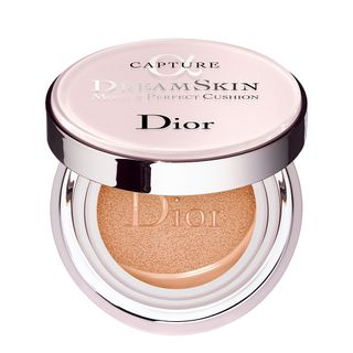 tratamento-facial-dior-dreamskin-moist-e-perfect-cushion-fps-50-010