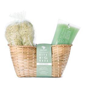feito-brasil-vitaminada-coco-verde-kit-gel-de-banho-bucha-vegetal-cesta-de-palha